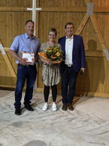 (v.l.n.r.) Jürgen und Silke Vogelgesang, Präsident Eberhard Hartelt